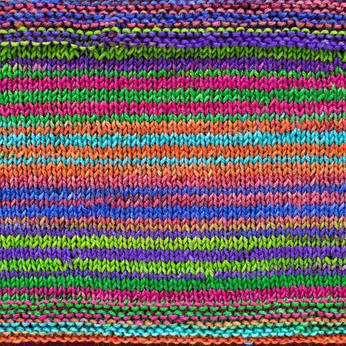 Urth Yarns - Uneek Fingering - 3023 - swatch