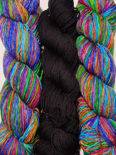 Uneek Fingering 3023 and Harvest Fingering Thuja